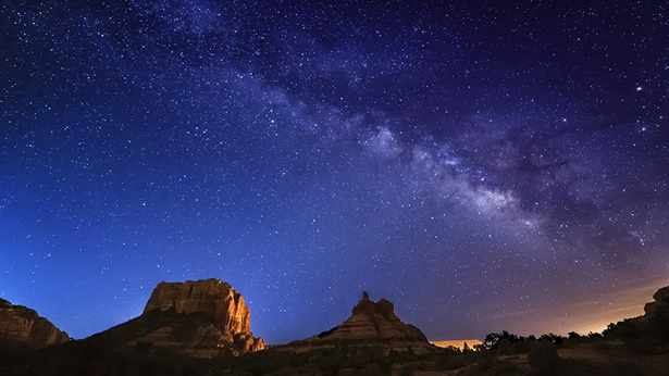 Autorytet Stwórcy nie jest ograniczony czasem, przestrzenią ani geografią i jest niezmierzony