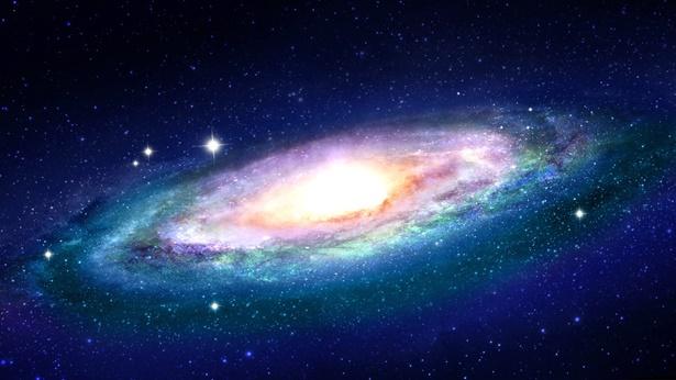 Tylko Bóg, który ma tożsamość Stwórcy, posiada wyjątkową władzę