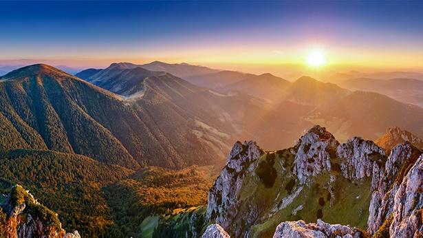 Podstawowe warunki bytowe, jakie Bóg stwarza dla gatunku ludzkiego – Światło